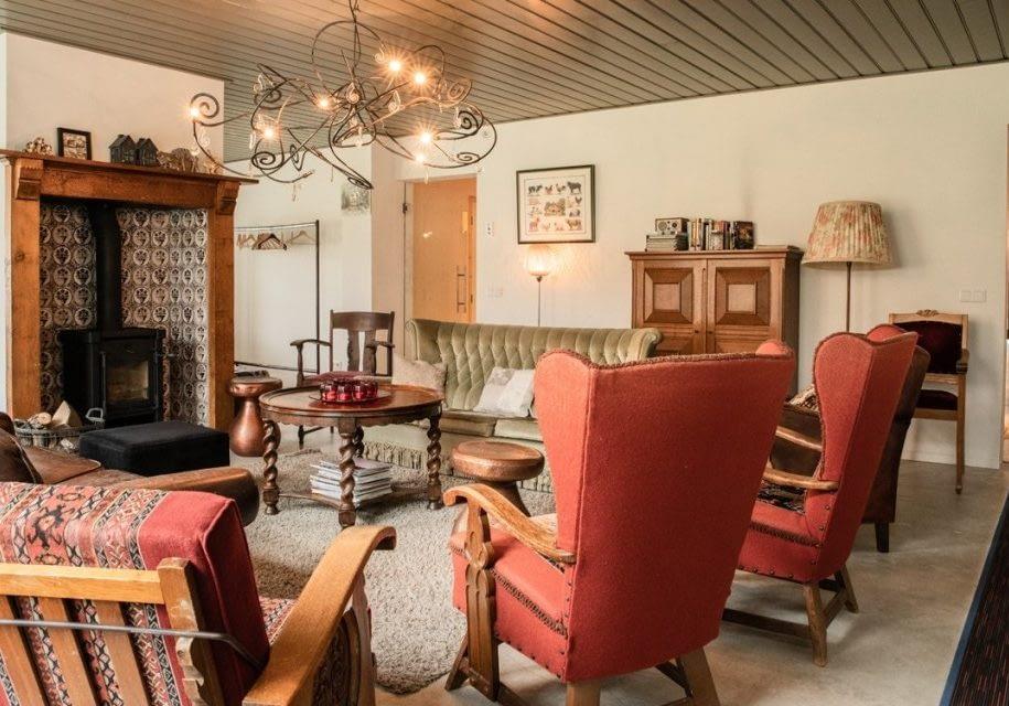 Gezellige warme woonkamer in boerderij stijl