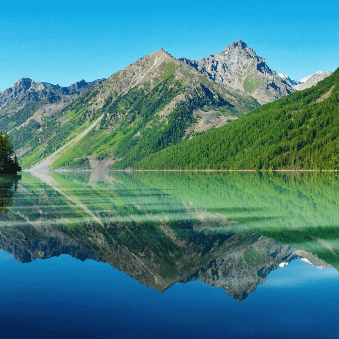 Mountains and lake with very clear water